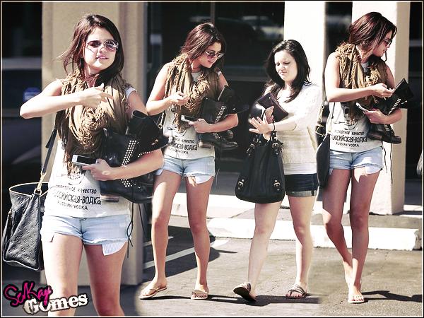 Selena Gomez : elle se fait chouchouter pendant que Justin Bieber prépare sa nouvelle tournée !